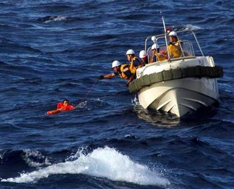 六人獲救 八人失蹤