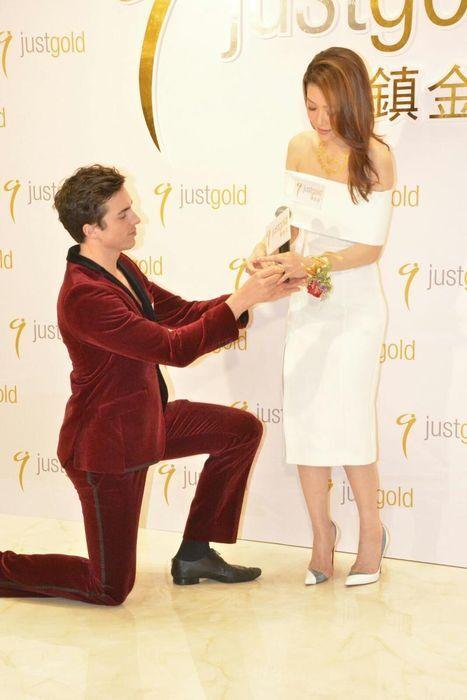 周麗淇獲法藉猛男「求婚」