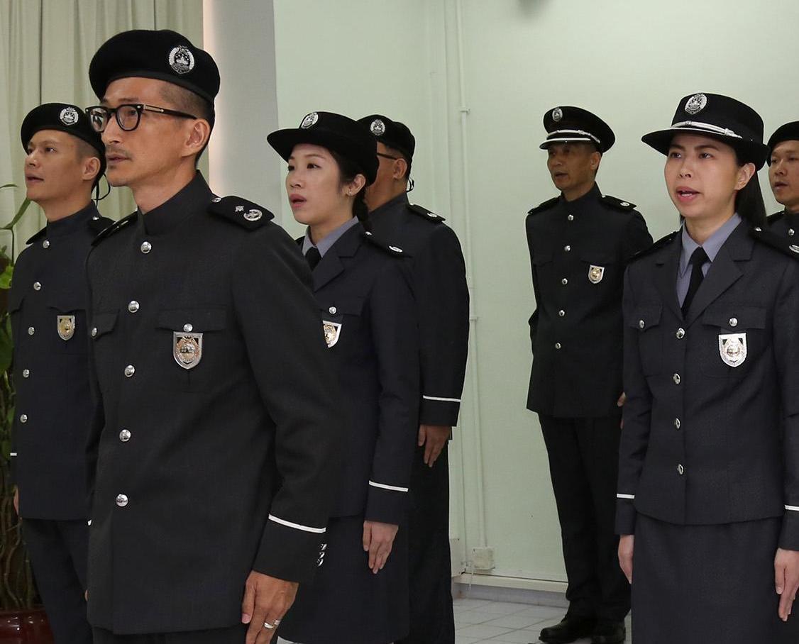 懲教管理局十警長就職