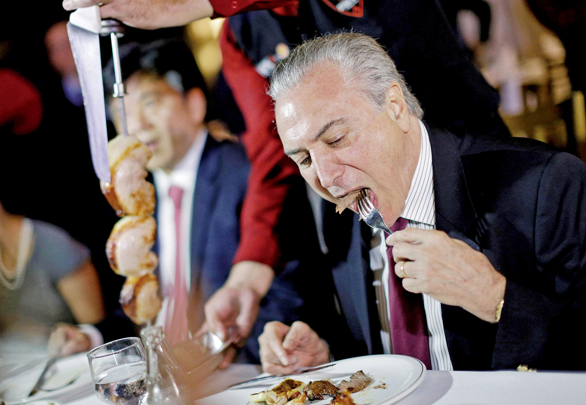 總統帶使節吃肉滅火