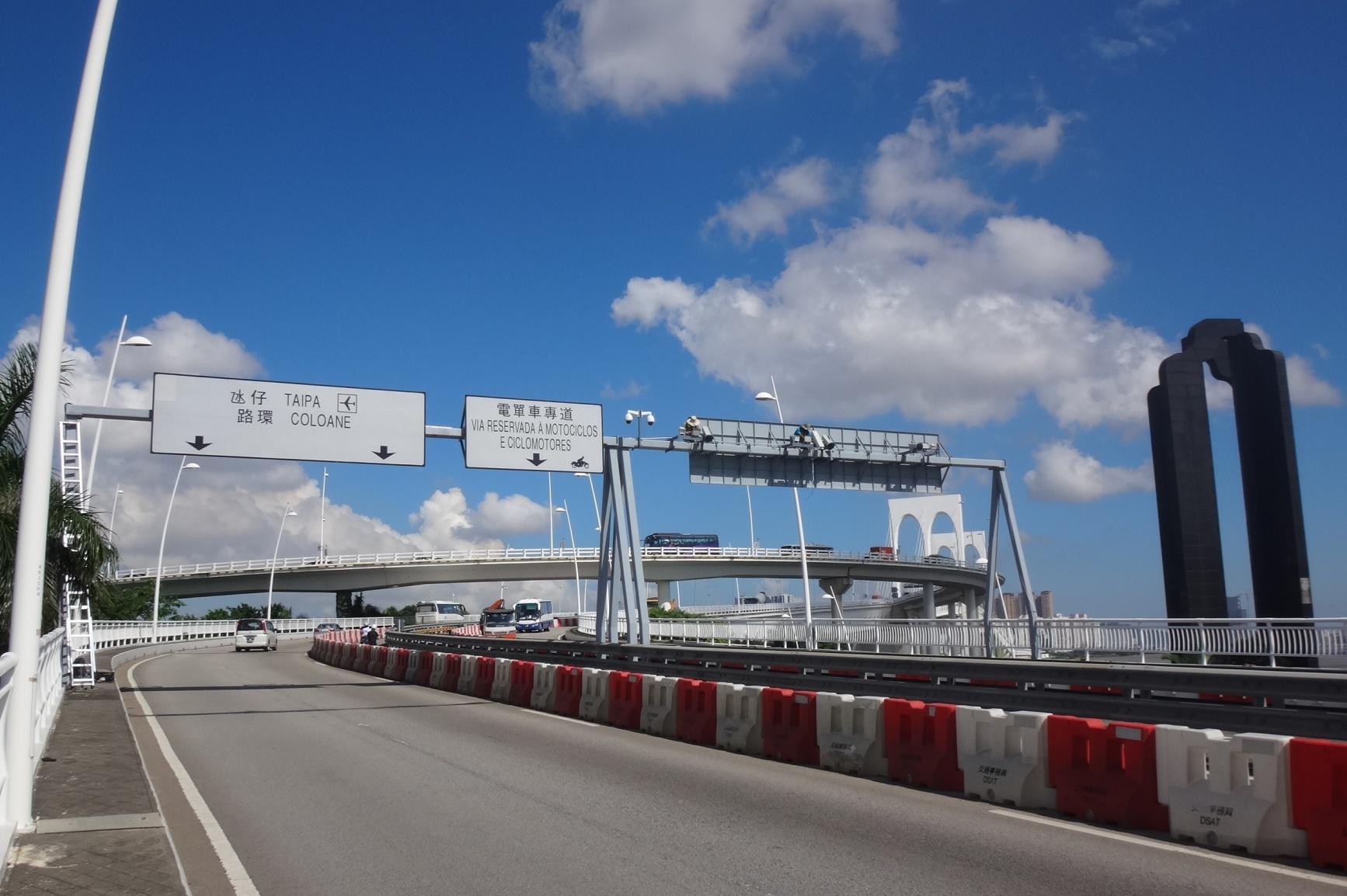 西灣大橋新增超速偵測系統