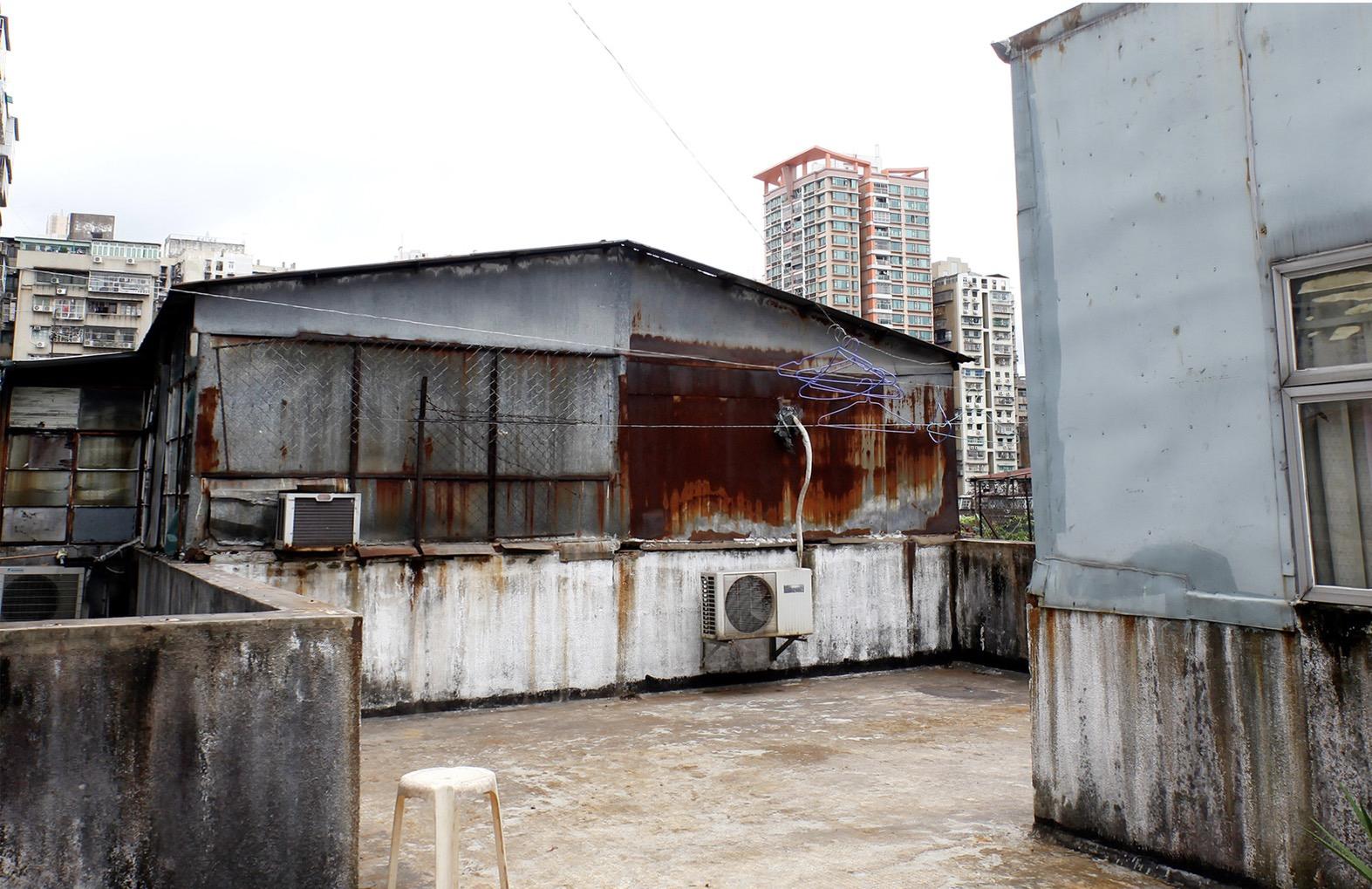 政府跨部門清拆天台加建僭建物