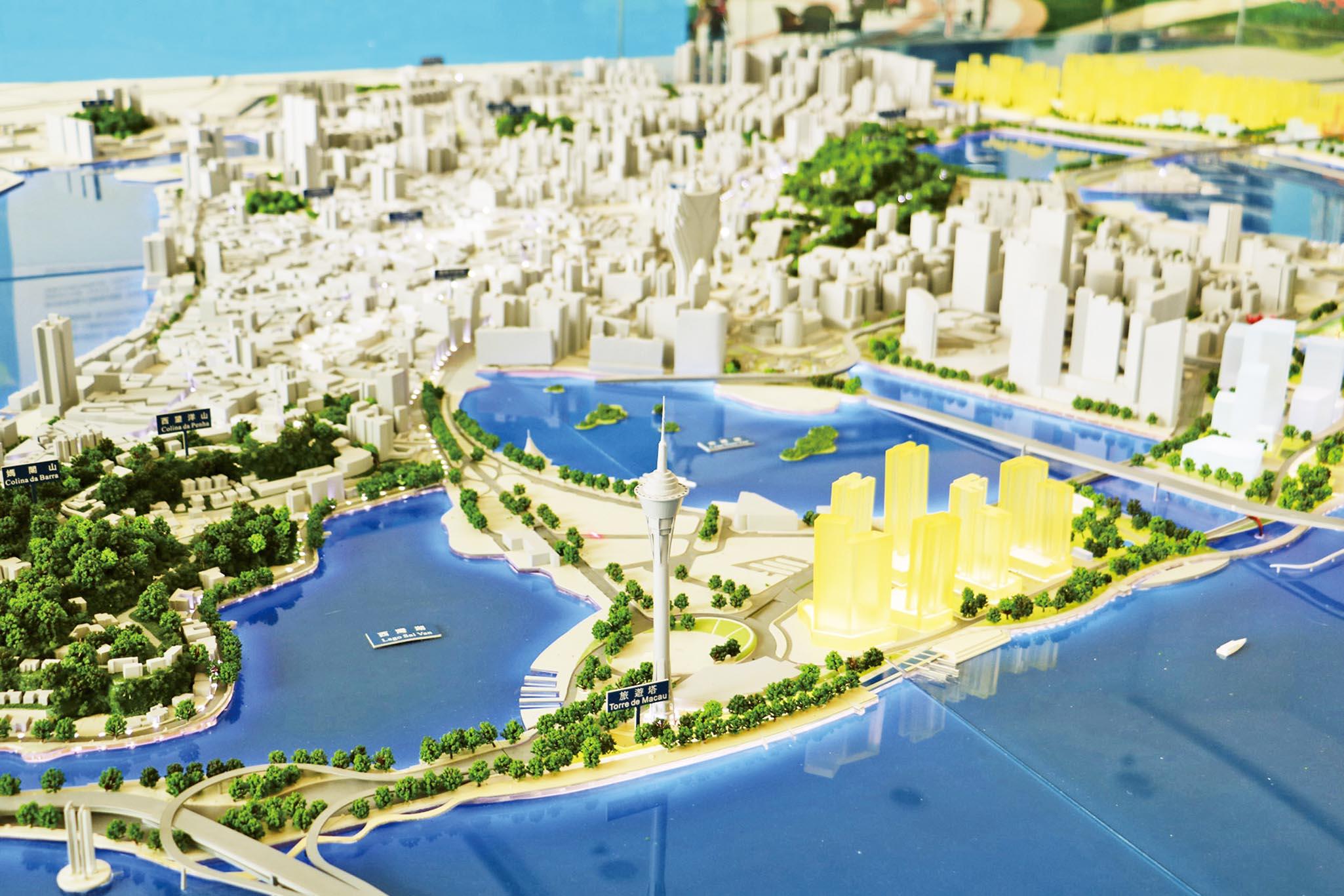 分批興建28,000公屋單位