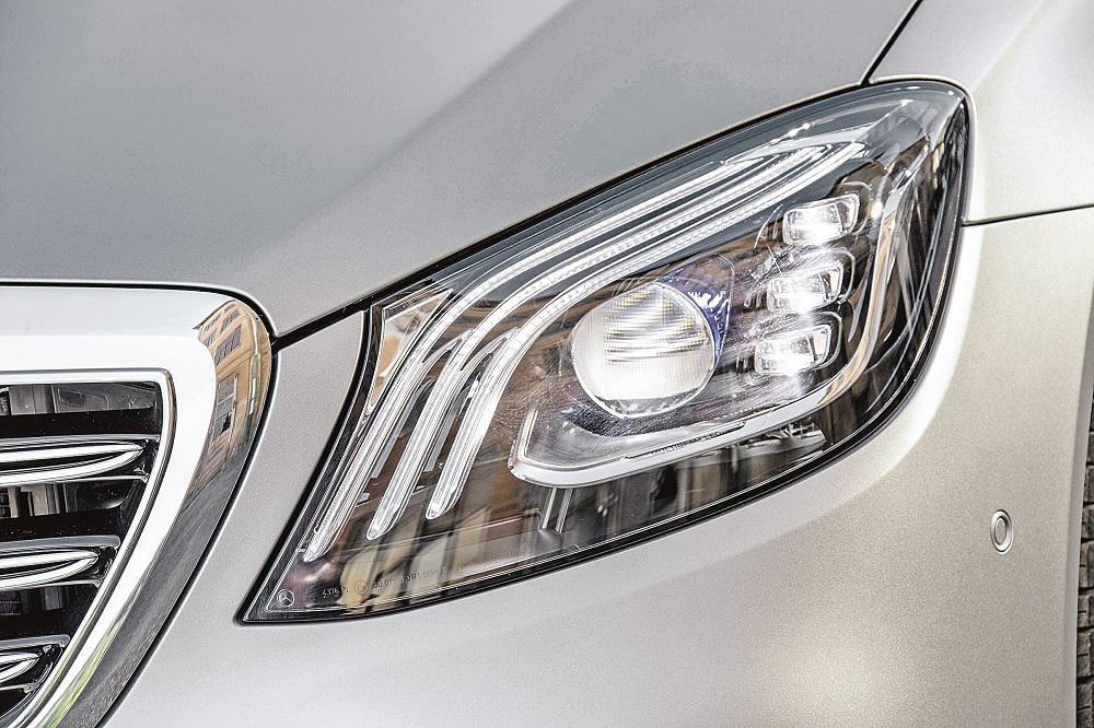 改款S系列配智能頭燈