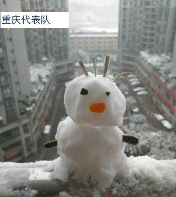 降大雪!網友發起雪人比丑大赛
