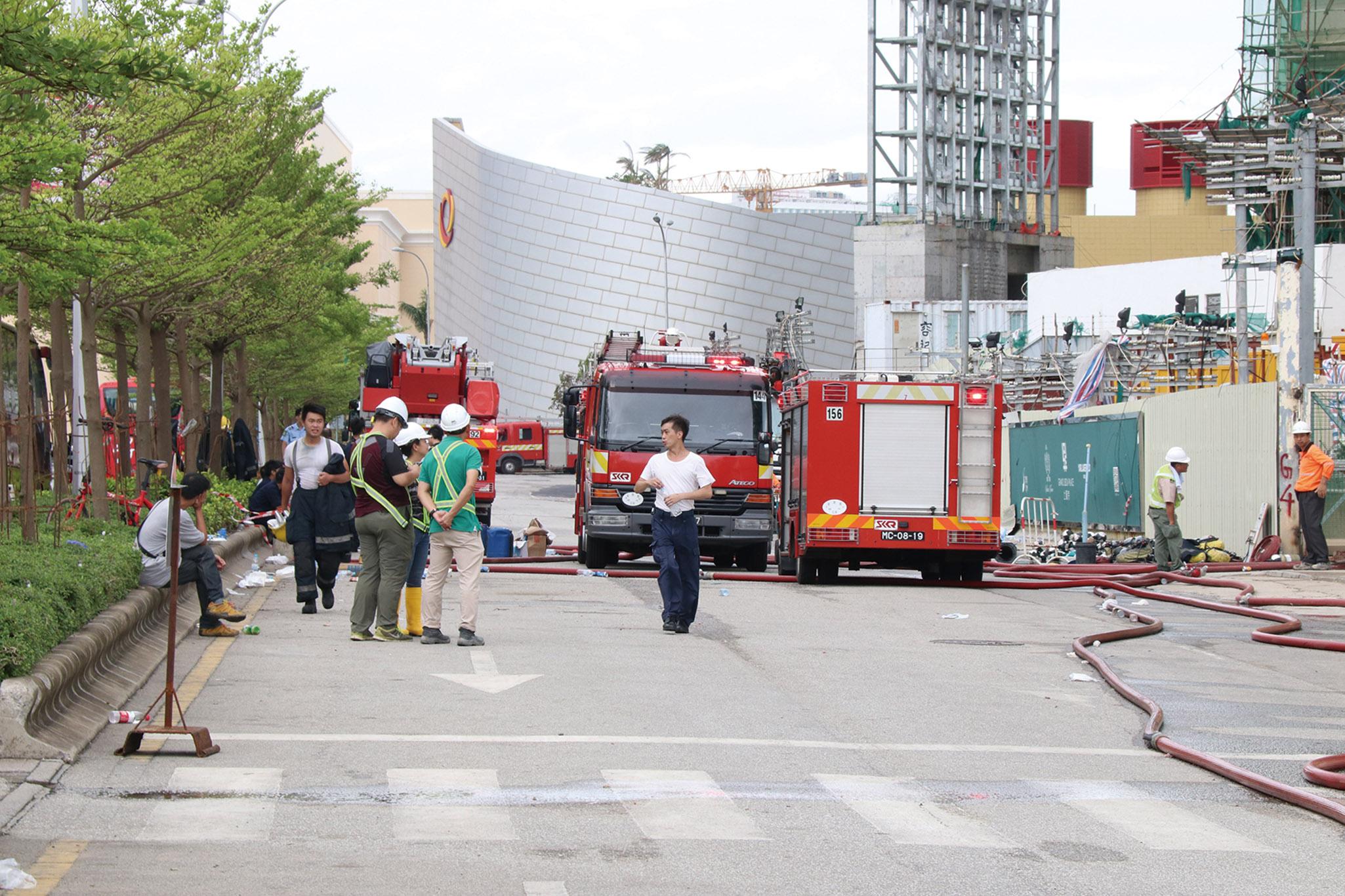 消防二百人撲救司警調查起因