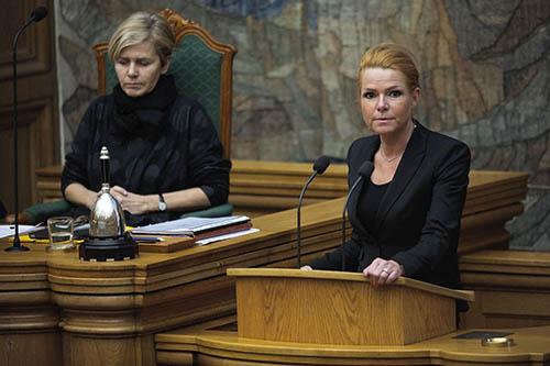 丹麥立法通過允許沒收難民財物