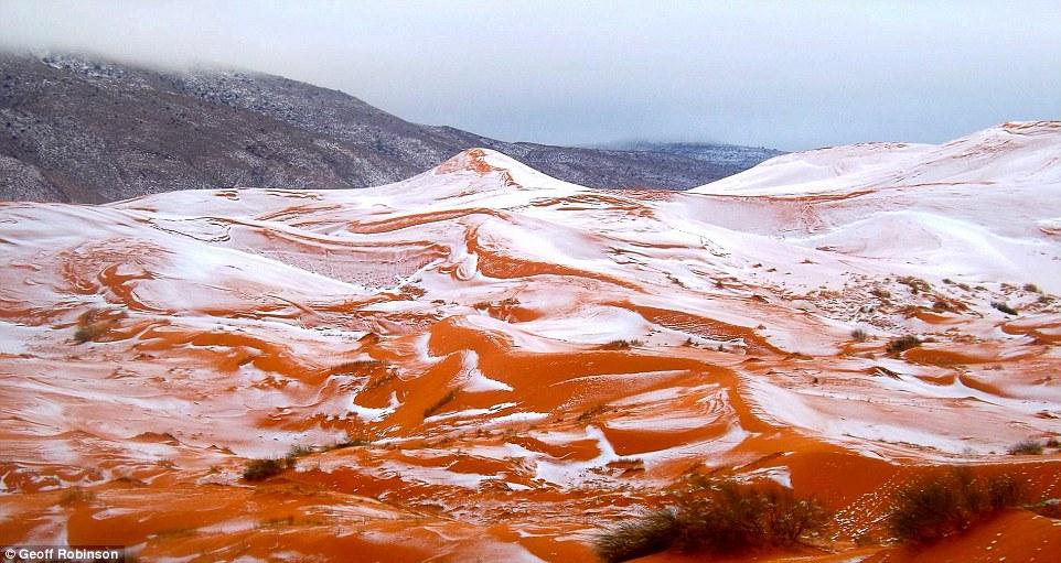 紅沙丘變白色