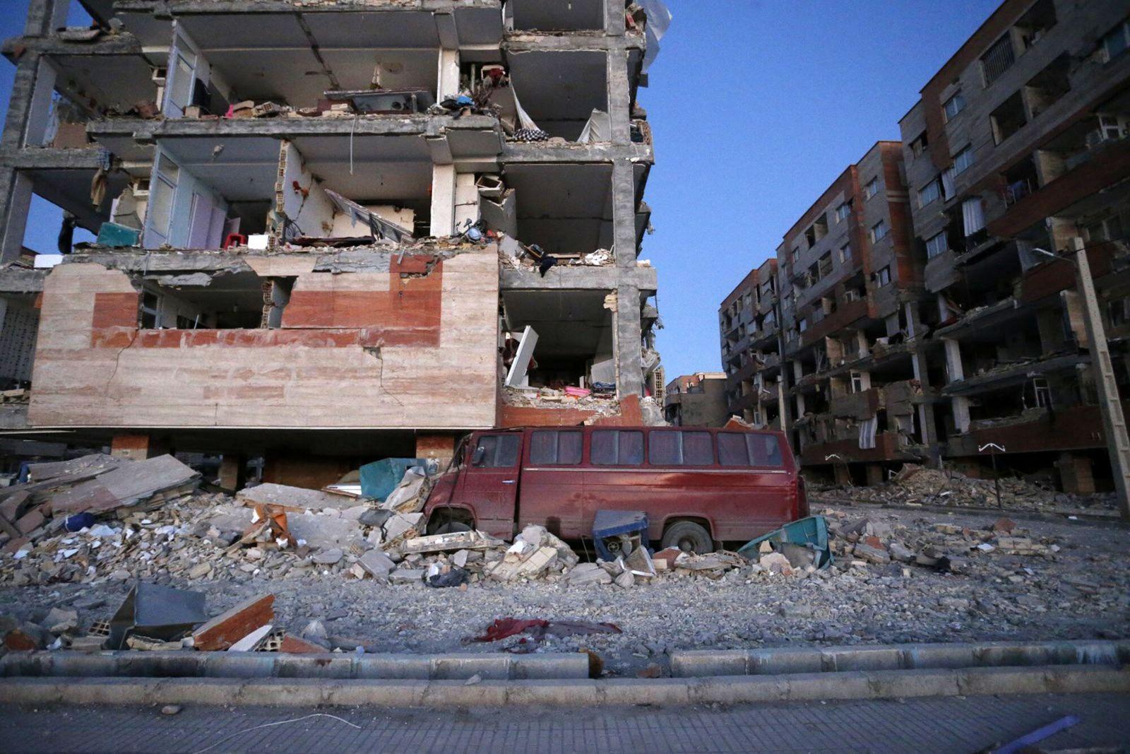 兩伊邊境地震增至逾200死