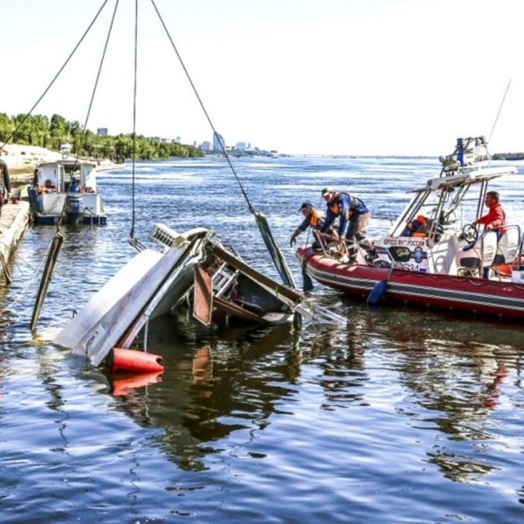 俄羅斯伏爾加格勒兩船相撞11死