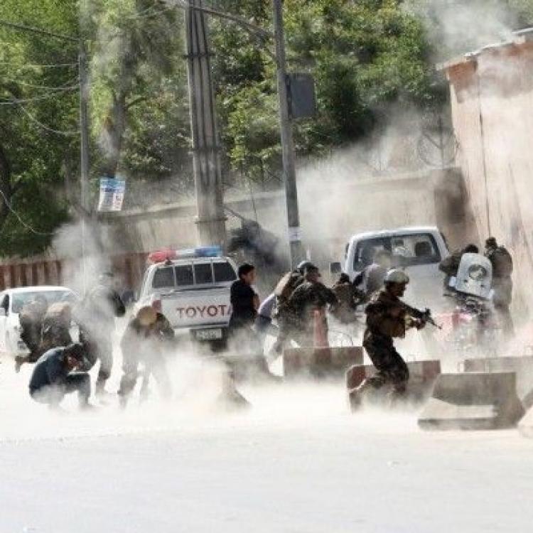 阿富汗連環恐襲至少16記者死傷