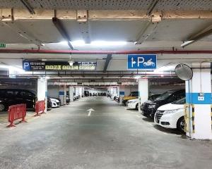 政府、博企提供逾4,500車位