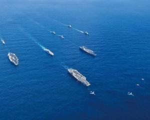 向中國展示「軍威」