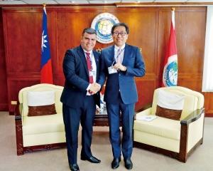巴拉圭高官引咎辭職 台護「邦誼」稱誤會被罵翻