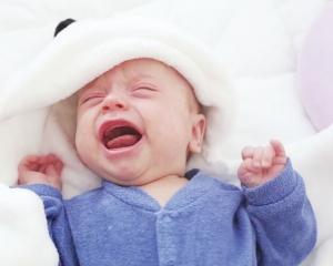 一歲B女 憑嘹亮哭聲自救!