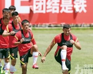 國足今月友賽兩上海中超球隊