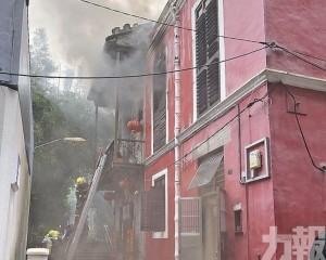 黃曹二仙廟起火波及鄰居