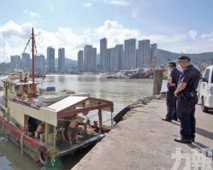 逾百艘漁船駛離錨泊區出海捕漁