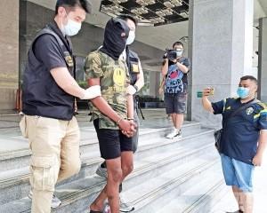 司警拘捕非洲毒品拆家