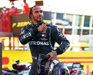 咸美頓贏今季第6個F1分站冠軍