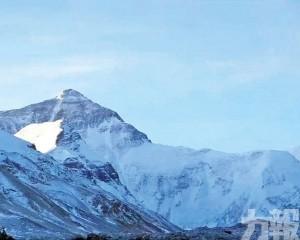 珠穆朗瑪峰頂將設隔離線