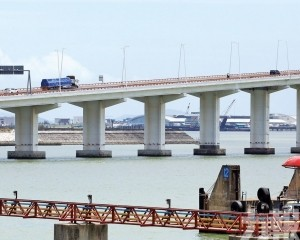 局方計劃開展弔橋及匝道橋維修工程