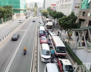 4月共有1,022宗交通意外377人受傷