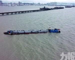 船隻現已脫淺往內地維修