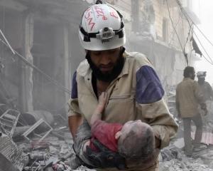 以軍救出800白頭盔成員及家屬