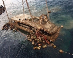 【布吉沉船】鳳凰號打撈出水
