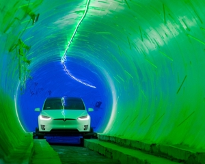馬斯克地下高速隧道試行