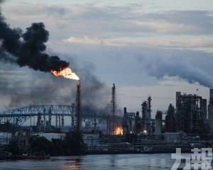 美費城150年歷史煉油廠爆炸 至少5傷