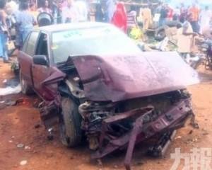 【超速失控】尼日利亞4車相撞釀19死7傷