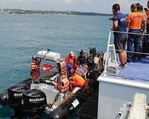 菲律賓龍舟隊練習遇巨浪翻側7死