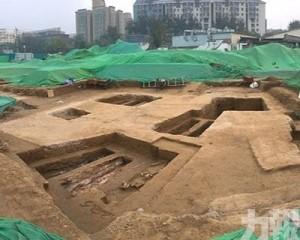 北京地鐵站附近發現古墓