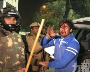 印度騷亂至少6死過百傷