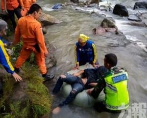 印尼巴士墮峽谷至少24死13人傷