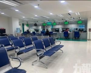 交通局增兩專櫃處理新的士證手續