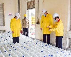 南光集團向特區政府捐贈四千公升消毒酒精