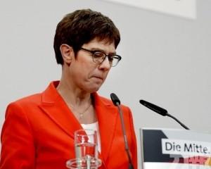 默克爾接班人卡倫鮑爾宣布將辭任黨魁