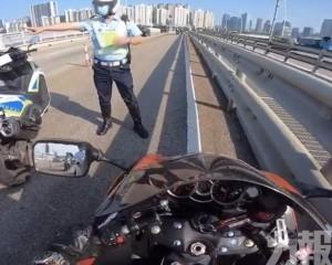 警:電單車駕駛者涉三次「彈頭」