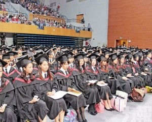 畢業生薪酬跌至一萬或更低
