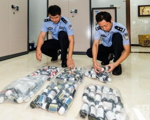 七人被捕 檢752瓶可待因止咳水