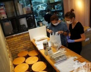 消息指香港或明日恢復早午市堂食
