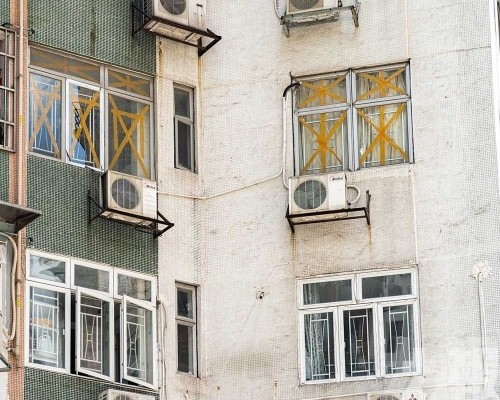 社諮委冀用連接鏈避免窗戶跌落