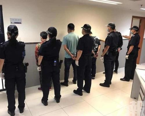 新城A區沿岸拘5名非法入境者