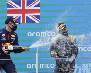 咸美頓F1艾費爾站封王