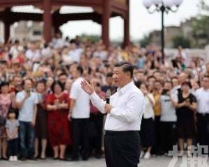 習近平昨訪汕頭與民眾親切交流