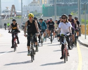 逾300人參與大眾單車遊活動