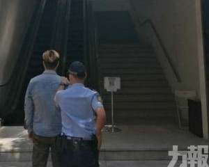 男外僱巴士「摩擦」兩女被捕